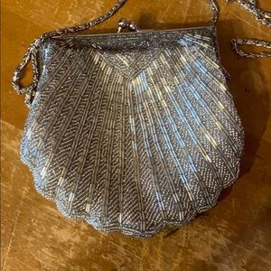 Vintage silver clamshell Art Deco beaded clutch